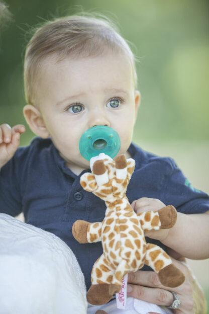 lifestyle-baby-giraffe9-RGB